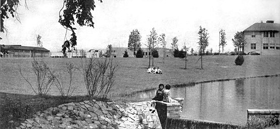 A view of the GE Electronics Park that appeared in the July 1951 edition of Architectural Record. Note the cluster on men in shirts and ties lying on the lawn slope by the lake—an unimaginable sight before the corporate campus. A new vision of corporate work, General Electric expected that the campus context would be conducive to creativity and collaboration among their scientists, engineers, and managers.