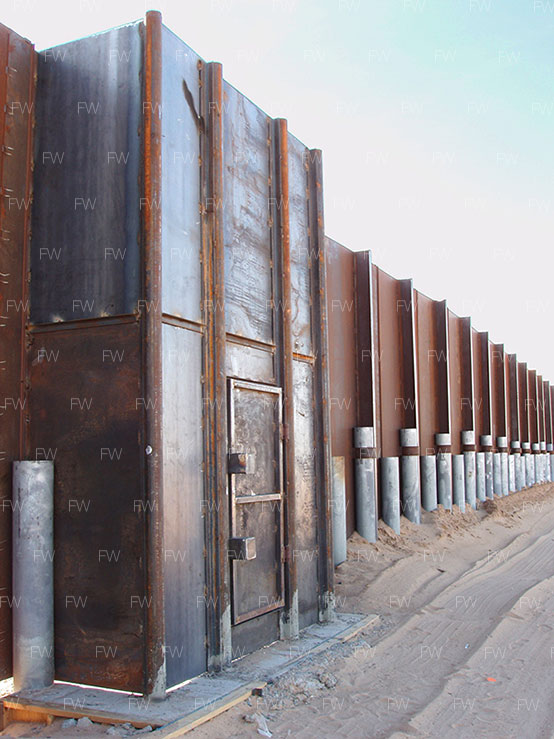 "The ""Primary Fence"" at San Luis Colorado, AZ, 2008"