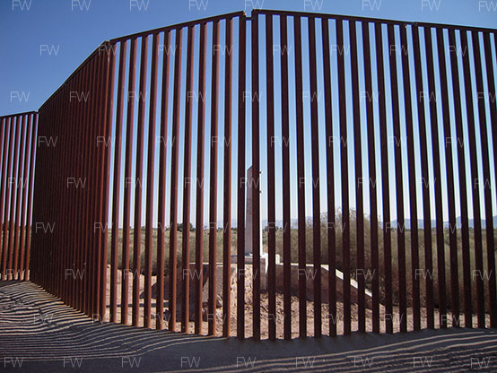 "The ""caged fence"" outside Mexicali/Calexico, 2008"